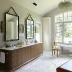 Những phòng tắm được ưu ái với diện tích rộng thế này, bạn có thể dùng tới hai chiếc gương lớn, một chiếc cho bạn, một chiếc cho nàng cũng đủ khiến căn phòng thêm phần thú vị
