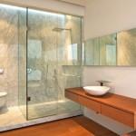 Có thể dùng màu sắc hoặc phong cách thiết kế để tạo điểm nhấn cho phòng vệ sinh
