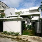 Mặt bằng ngôi nhà phố này rộng khoảng 100 m2 nằm trong một ngõ nhỏ ở trung tâm TP Đà Nẵng