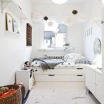 Có thể xếp các tủ quần áo phẳng thành giường ngủ tiện lợi có nơi cất quần áo, chăn gối phía dưới